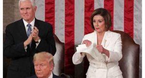 توهین آشکار نانسی پلوسی به ترامپ